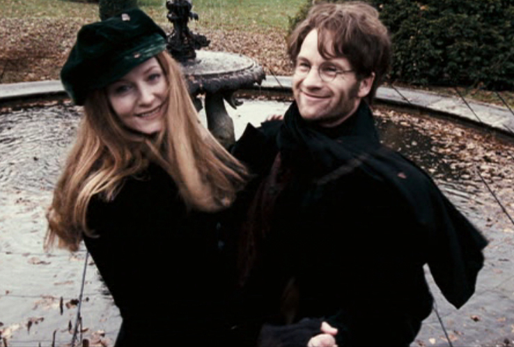 http://images.wikia.com/harrypotter/images/4/4b/James%26LilyDancing.jpg