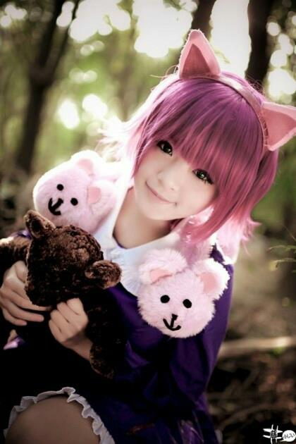 http://images.wikia.com/leagueoflegends/images/a/a2/Izkael_Found_Annie_Cosplay.jpg
