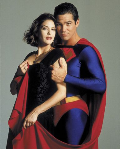 http://images.wikia.com/marvel_dc/images/1/14/Lois_and_Clark_01.jpg