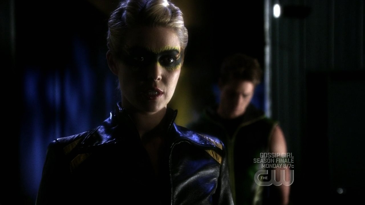 http://images.wikia.com/smallville/images/3/32/822Smallville0577.jpg